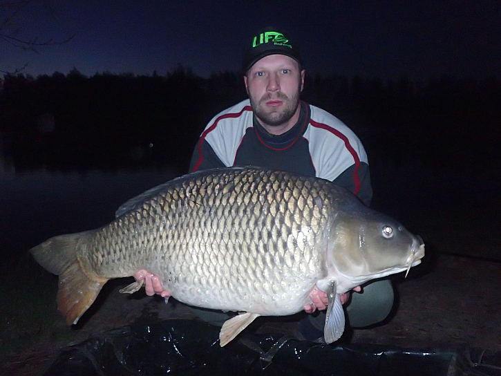 vyrazil jsem na dvě noci, povedlo se mi 11 opravdu krásných ryb většinou kolem 6kg, z nichž něj byli tito čtyři.
