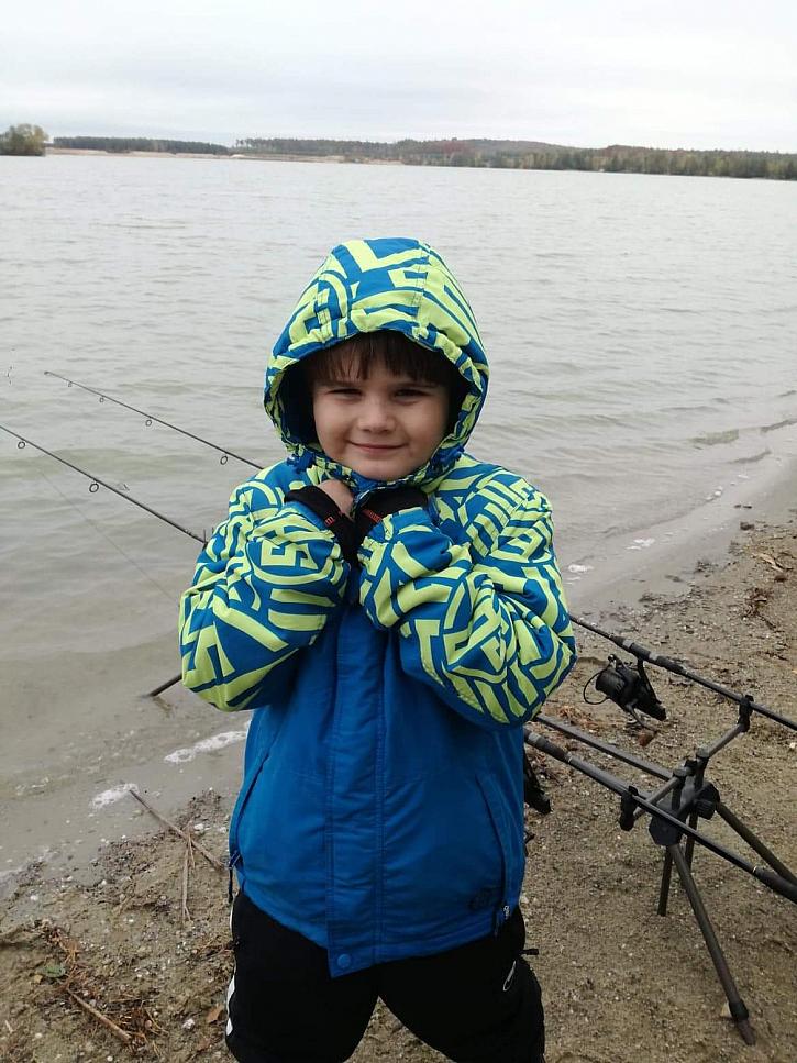 Na poslední říjnový týden taťka s mamkou naplánovali původně 5ti denní rybářskou výpravu.