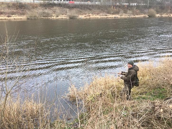 Neviděli jsme sice rybu, ale protáhli jsme si těla i pruty :D