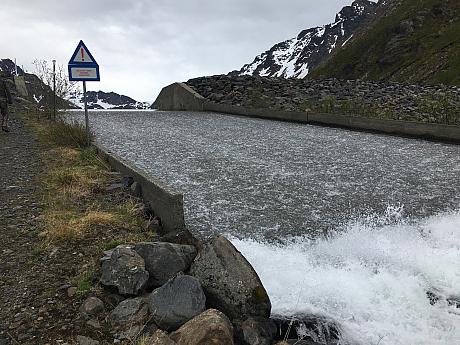 Přepad z ledovcového jezera