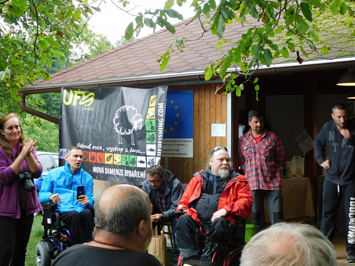 Tuto akci pořádáKřižovatka handicap centrum, o.p.s. Pardubicea je určena pro handicapované kamarády ze širokého okolí.