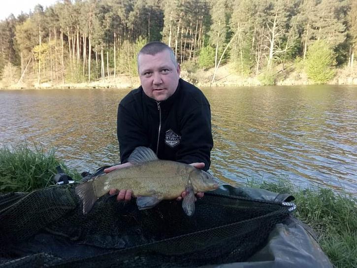 Igor a jeho luxusní kapři. Takhle to vypadá, když se rybačka podaří!